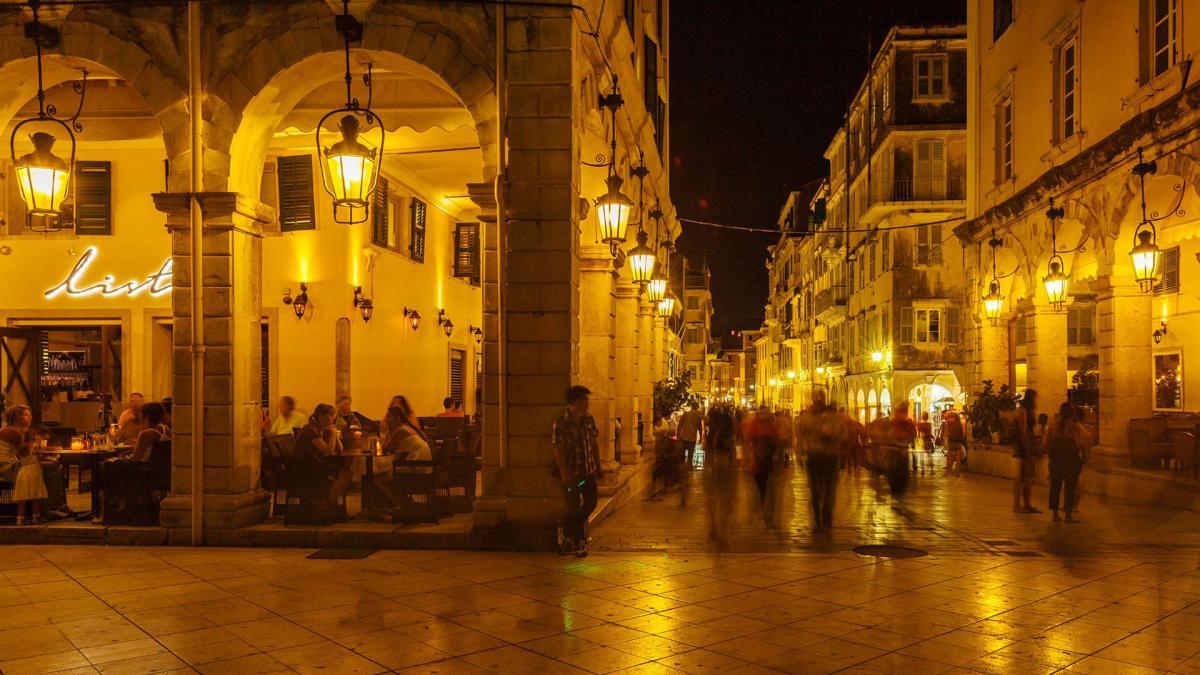 corfu-by-night-01