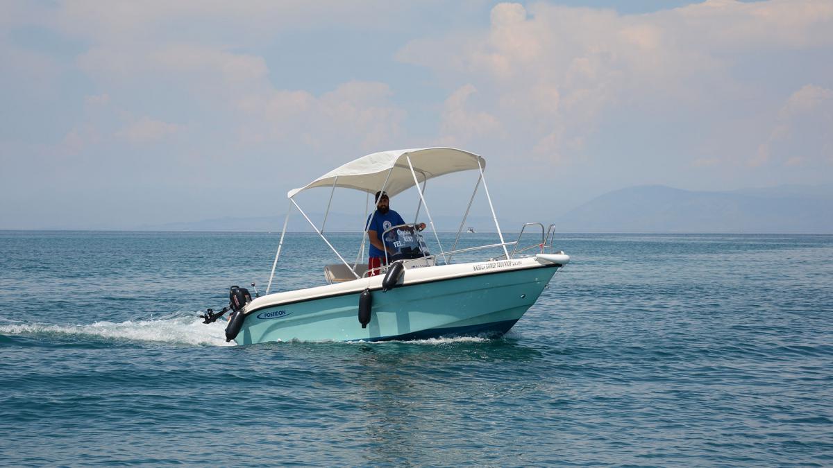 rent-a-boat-01